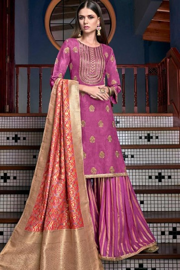 Costume s Sharara rose, magenta satin et soie